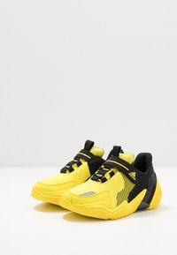 adidas Performance - 4UTURE RNR EL  - Obuwie do biegania treningowe - shock yellow/core black - 3