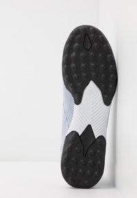 adidas Performance - NEMEZIZ 19.3 TF J - Korki Turfy - footwear white/royal blue - 5
