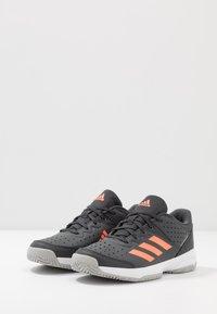 adidas Performance - COURT STABIL - Boty na házenou - grey six/signal coral/grey two - 3
