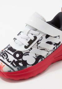 adidas Performance - FORTARUN MICKEY - Neutrální běžecké boty - footwear white/scarlet/core black - 5