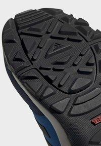 adidas Performance - TERREX HYPERHIKER LOW HIKING SHOES - Outdoorschoenen - blue/black/green - 6