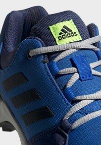adidas Performance - TERREX HYPERHIKER LOW HIKING SHOES - Outdoorschoenen - blue/black/green - 7
