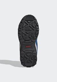 adidas Performance - TERREX HYPERHIKER LOW HIKING SHOES - Outdoorschoenen - blue/black/green - 4