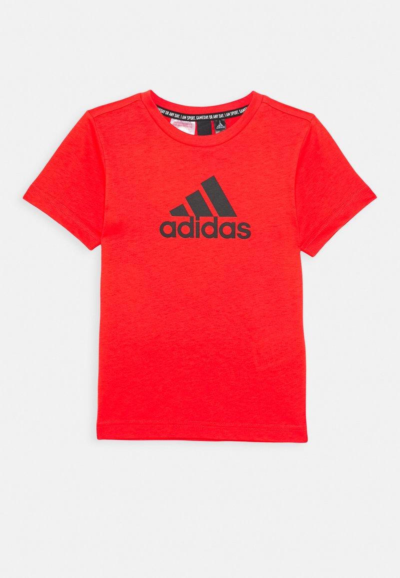 adidas Performance - ESSENTIALS SPORTS SHORT SLEEVE TEE - T-shirt print - red/black