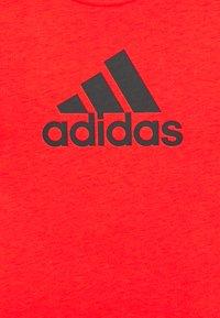 adidas Performance - ESSENTIALS SPORTS SHORT SLEEVE TEE - T-shirt print - red/black - 2