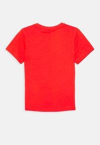adidas Performance - ESSENTIALS SPORTS SHORT SLEEVE TEE - T-shirt print - red/black - 1
