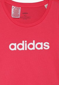 adidas Performance - T-shirt con stampa - pink/white - 3