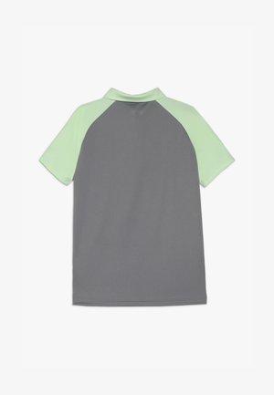 CLUB - Funkční triko - glow green/grey three