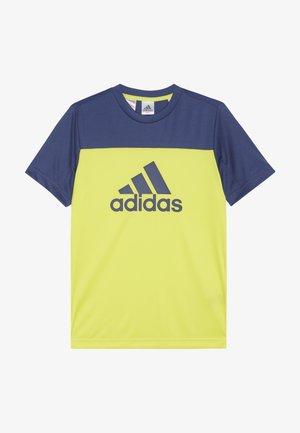 TEE - T-shirt z nadrukiem - yellow