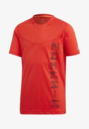 ADIDAS X NEMESIS - T-shirt print - active red/black