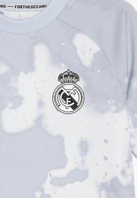 adidas Performance - REAL PRESHI  - T-shirt print - grey/white - 3