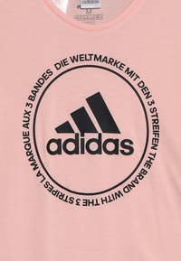 adidas Performance - PRIME TEE - T-shirt med print - glow pink/black - 3