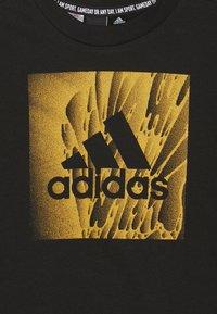 adidas Performance - BOX TEE - T-shirt z nadrukiem - black - 3
