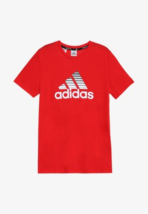 PRIME TEE - T-shirt con stampa - scarle/white/black