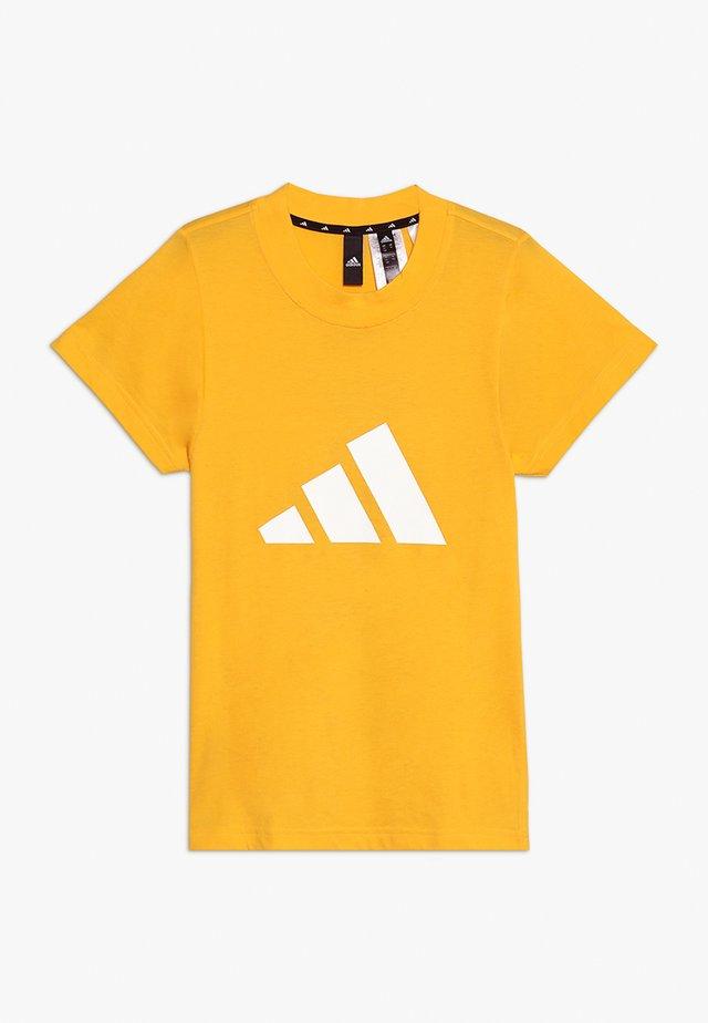 ID TEE - Print T-shirt - actgol/white