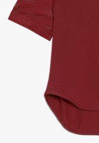 adidas Performance - TEE - T-shirt print - active maroon/maroon - 2