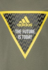 adidas Performance - Camiseta estampada - legend green - 2