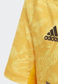 adidas Performance - REAL MADRID HOME GOALKEEPER  - Squadra - yellow - 2