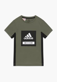 adidas Performance - BOLD TEE - T-shirt imprimé - leggrn/black/white - 0