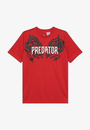PREDATOR TEE - T-shirt med print - vivid red