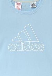 adidas Performance - TEE - T-shirt con stampa - skytin/white - 3