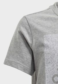 adidas Performance - MUST HAVES BADGE OF SPORT - T-shirt con stampa - grey - 3