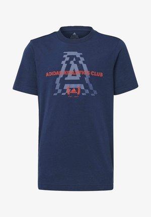 ADIDAS ATHLETICS CLUB GRAPHIC T-SHIRT - Print T-shirt - blue