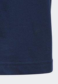 adidas Performance - ADIDAS ATHLETICS CLUB GRAPHIC T-SHIRT - T-shirt imprimé - blue - 3
