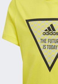 adidas Performance - XFG T-SHIRT - T-shirt con stampa - yellow - 3