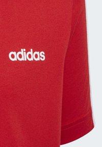 adidas Performance - ESSENTIALS 3-STRIPES T-SHIRT - T-shirt print - red/white - 3