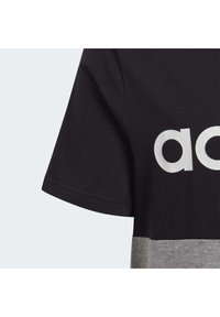 adidas Performance - LINEAR COLORBLOCK T-SHIRT - Print T-shirt - black - 5