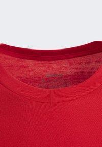 adidas Performance - ESSENTIALS LINEAR LOGO T-SHIRT - T-shirt imprimé - red - 2
