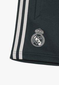 adidas Performance - REAL MADRID - Pantaloncini sportivi - teconi/grey two - 5