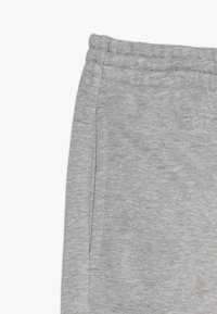 adidas Performance - YOUNG GIRLS ESSENTIALS LINEAR SPORT PANTS - Teplákové kalhoty - medium grey heather/real pink - 2