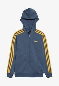 blue-grey/yellow