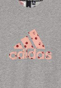 adidas Performance - CREW - Felpa - medium grey heather /glow pink - 3