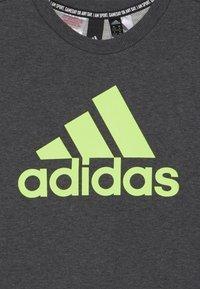 adidas Performance - CREW - Sweatshirt - dark grey/green - 3