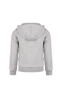 adidas Performance - ESSENTIALS 3 STRIPES KAPUZENJACKE KINDER - veste en sweat zippée - medium grey heather / signal coral - 1