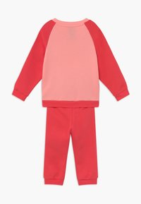 adidas Performance - ESSENTIALS LINEAR TRACKSUIT BABY SET - Survêtement - pink/light pink - 1