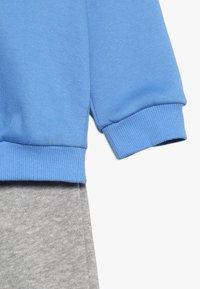 adidas Performance - ESSENTIALS LINEAR TRACKSUIT BABY SET - Tracksuit - real blue/medium grey heather/blue - 4