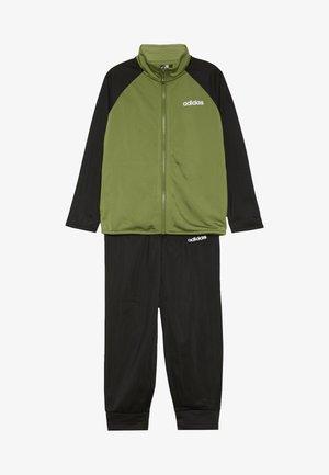 ENTRY SET - Dres - tech olive/black