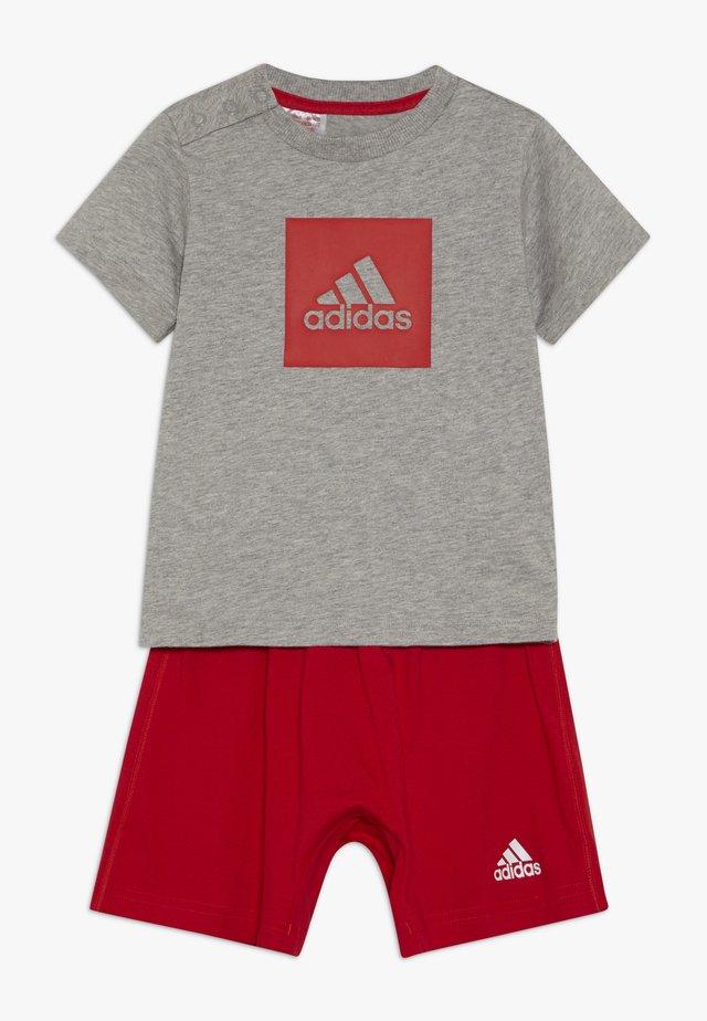 LOGO SUMMER TRACKSUIT BABY SET - Trainingsanzug - grey/vivred
