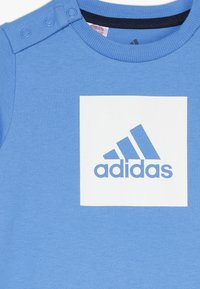 adidas Performance - LOGO SUMMER TRACKSUIT BABY SET - Survêtement - lucblu/white - 5