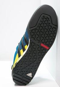 adidas Performance - TERREX SWIFT SOLO - Obuwie hikingowe - unity blue/core black/unity lime - 4