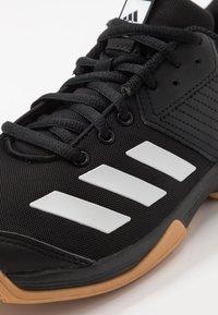 adidas Performance - LIGRA 6 YOUTH - Obuwie treningowe - core black/footwear white - 2