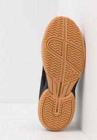 adidas Performance - LIGRA 6 YOUTH - Obuwie treningowe - core black/footwear white - 5