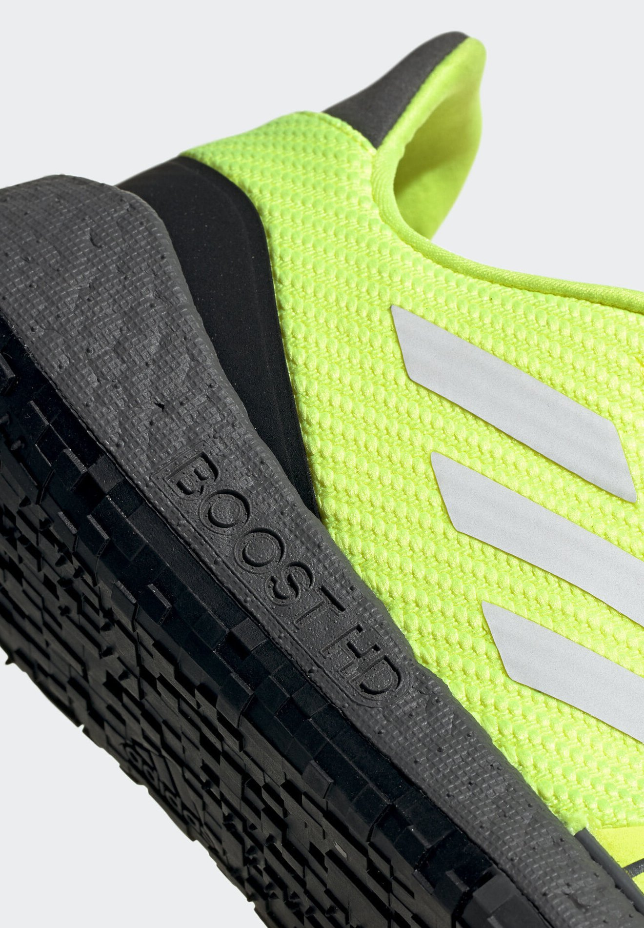 Adidas Performance Pulseboost Hd Winter Shoes - Sneakers Laag Yellow