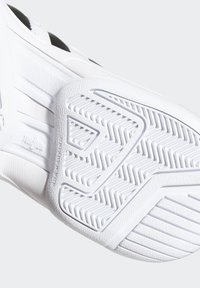 adidas Performance - PRO MODEL 2G SHOES - Koripallokengät - white - 9