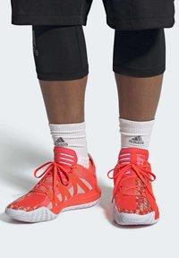 adidas Performance - DAME 6 SHOES - Koripallokengät - orange - 0