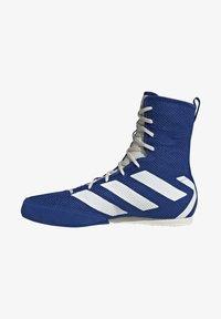 adidas Performance - BOX HOG 3 SHOES - Sneakersy wysokie - blue - 1